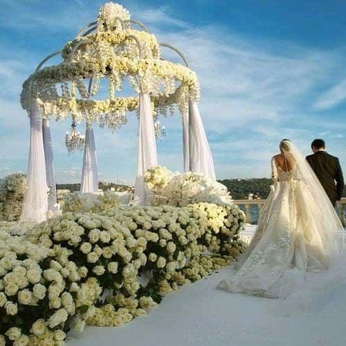 unique😄 groom👑❤ and bride..😘