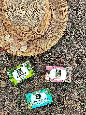 Recently been trying these organic soap bars from @oh_ind and I absolutely love them! These are so soft on your skin and smell amazingggggg.  A total thumbs up! . . . #mdblogs  #chandigarhblogger  #chandigarh  #organic  #organicskincare  #beauty  #skincare  #skincareroutine  #skin  #natural  #flatlay  #beach  #beautyblogger  #indianfashionblogger  #indianbeautyblogger  #creatorshala