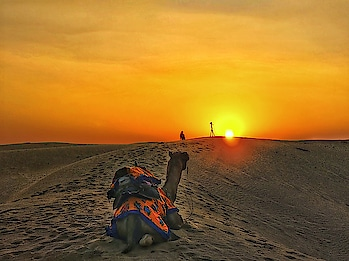 Sunset ko dekhne ka shauk tha, Tabhi to saara din Dhoop me firta rha... . . . . . #sun #beautiful #beauty #view #photooftheday #skyporn #hot #night #warm #instasky #instatag #instasun #sunrise #instagramanet #morning #sunsets #amazing #all_sunsets #sunset_madness #instasunsets #cloudporn #horizon #pretty #sunset #vision #sunrise_sunset_aroundworld