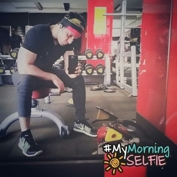 """The whole drama about """"Bloody Monday"""" takes courage out of me to say that I really love Mondays. Fresh start for a good workout and office too.. #monday #morning #love #goodmorning #mondaymotivation #workout #morningworkout #naturalbodybuilding #motivation #gymlife #fitlife #fitness #training #fitnessmotivation #instagram #instafitness #instafit #noexcuses #chestday #goldsgym #allahabad #gymwear #nike #puma #jackandjones #mymorningselfie"""