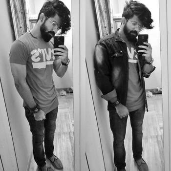 left or right?  #beardedmen #indianbloggers #fashionlover #followback #styleblog #fashionblogger #followforfollow #fashionshow #outfit #instagood #fashionweek #blacklover #prilaga #like4tags #instadaily #like4follow #moustache #fashionphotography #igers #stylish #fashionpost