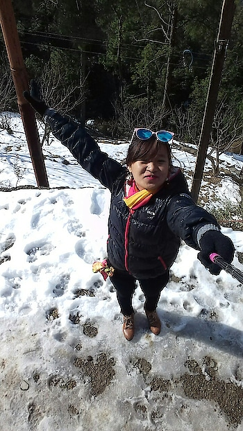 #throwback #chail #shimla #shimladiaries #shimlatrip #missing #fun #mygirls #tour #travel #ice #snow #snowwhite #snowworld #travel-diaries #travelpics #bff #bffgoals #enjoy #roposo #roposogal #nature