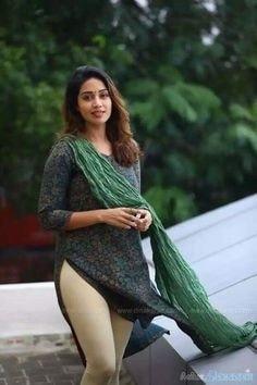 ##filmistaanchannel #beatschannel #fashionquotient #yashikaanand#happydiwali #nivetha