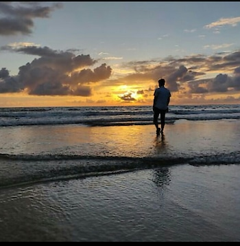 Walk towards your dreams crossing this big sea. #capture #captured #sea #beach #walking #water #clouds #sunset #sunset_pics #sunsetlovers #sunset_vision #sun #dreamer #sky #beautiful-life #beachphotography #nature #natural-look  #pictureofme #capturedchannel