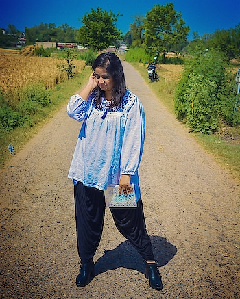 Hey fam! I am now taking suggestions for my upcoming blog posts. Please feel free to share your ideas. 💗 . . . . . . #blogger  #travel  #travelgoals  #vacation  #summer  #summergoals  #chandigarhfashionblogger  #fashionblogger  #fashion  #delhifashionblogger  #mumbaifashionblogger  #mdblogs  #bangalorefashionblogger  #white   #wanderlust  #indianfashionblogger  #whatiwore  #travellover  #una  #himachal