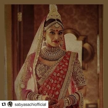 Look at that royal look...  #Repost @sabyasachiofficial (@get_repost) ・・・ Bipasha Basu @bipashabasu  #Sabyasachi #BipashaBasu @bridesofsabyasachi #hercreativepalace #fashionblogger #fashion #blogger #kanikasharma #Delhi #India #hcpkanika