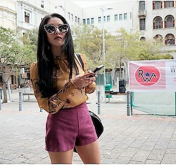 #shoppingtips #shoppingtime #sunny #sunnyleone #travelphoto #movie