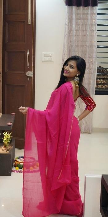 Perky pink 💋💋 #saarilove #pink #obsessed #me #indian #attire #lookbook #oversized #stud earrings #lovethem #maybellinenewyork #colorsensational #matte #lips #roposo #love #roposodiaries 💕