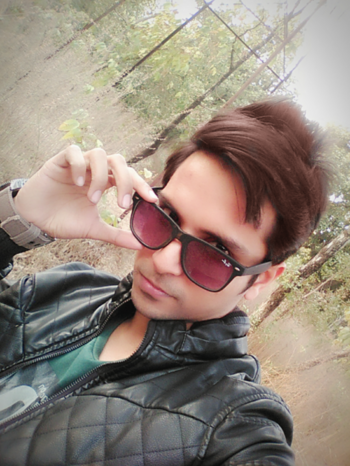 Winters are never cold if you have warm memories of someone special :)  #influencerstyle  #fashionmodel#fashionblogger  #fashionistagrammer #influencer #winterstyle  #winterlove   #winterdiaries  #jacketlove #jecketlover #jacketlook #blacklove #goggles #swag_look #hairstyleoftheday  #hairstylegoals #vivekjain  #winterwear
