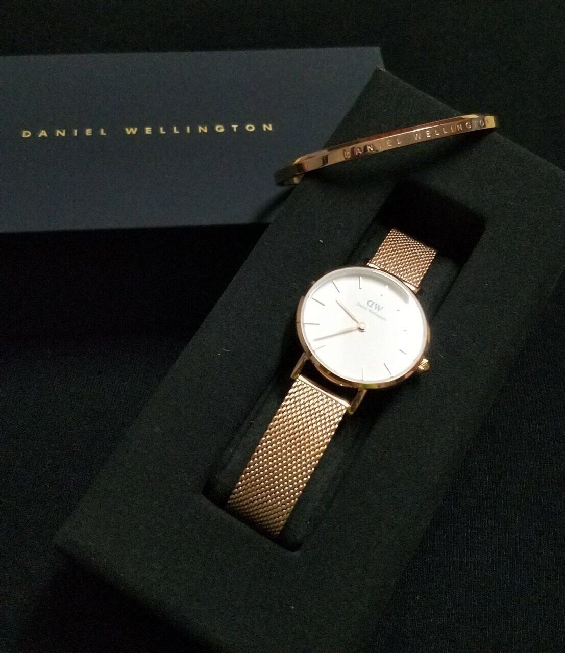 Thank you for the best birthday gift ever! Thank you @danielwellington for sending over the new Classic Petite Watch 28mm and Classic Melrose Cuff from @danielwellington ✨ Use my code BULBUL to get a 15%discount on all purchases until 15th Dec'17 and if that's not enough - there is free shipping worldwide. ✨www.danielwellington.com ✨ . . #fravaganza #फQ #fashionquotient #TheBazaar #Beats #Rangoli #LookGood #FeelGood #Filmistaan #TopNotch #Celebration #CreativeSpace #Musafir #WordPower #Captured #Trending #roposotalenthunt