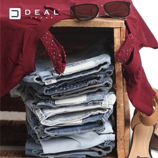 Work mode on with a bit of denim love everyday! #DenimLove #DealJeans