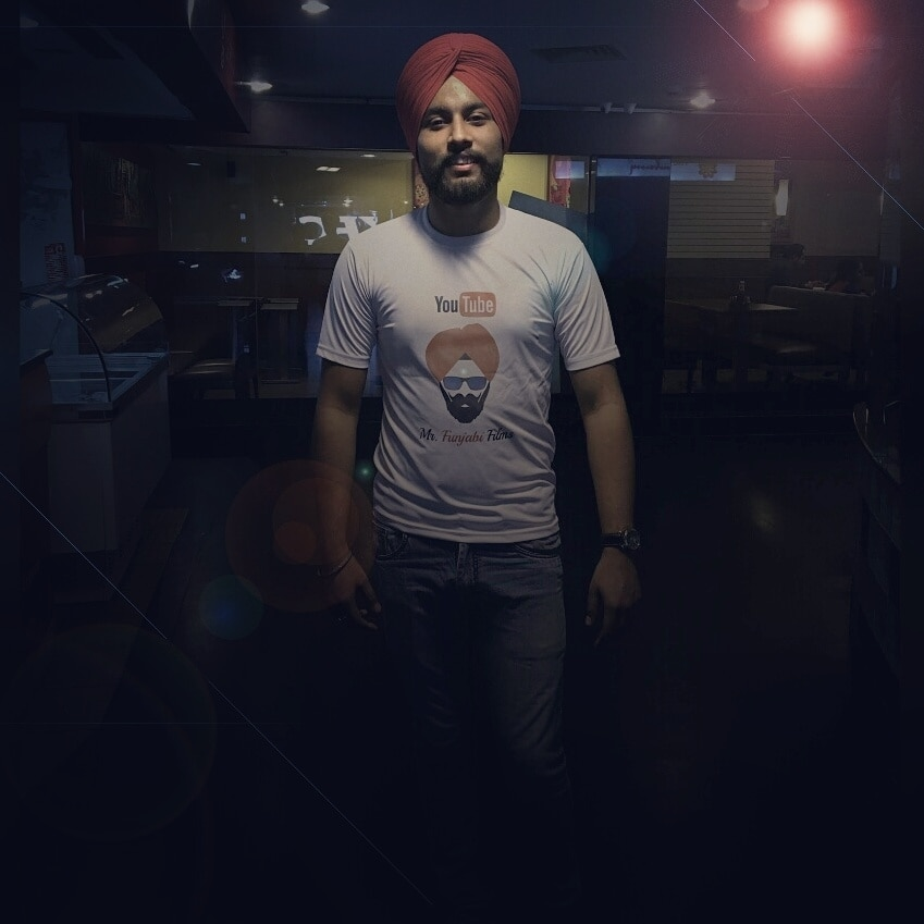 #newdp @spikeyarjun #outting #dinner #photography #shotoniphone #photoshop #lensflare #lightningeffect #insta #halfgirlfriend #fun #allaboutlocation #summerstyle #summerfashion #roposoblogger #summeroutfit #delhi #summers #summer-style #indianblogger #lookoftheday #blogger #sikh #punjabi #beard #roposolove #cool #roposo #youtube #youtuber #youtubeindia #youtubechannel #youtubecreatorindia #mrfunjabifilms