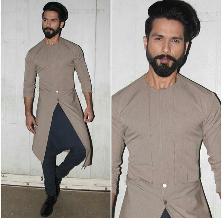 Shahid kapoor for the promotions of his new movie 'Rangoon' in antar ajni outfit.Nailed it we must say! #celebrityfashion #mensfashion #bollywoodstylefile #designer #moviepromotions