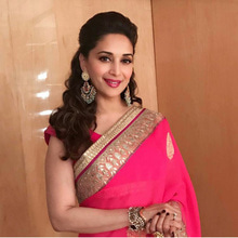 #madhuridixit#bollywoodstyle#bollywoodactressdresses#saree#bollywoodfashion#bollywoodmakeup#earrings#bollywooddiva#beautifulwoman#lovelysmile💖💖💖