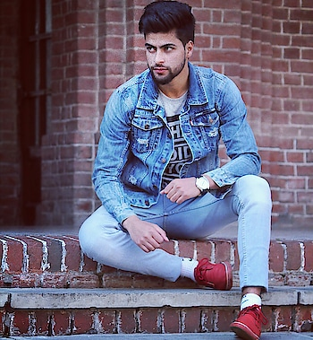 #fashionpost #be-fashionable #fashionmoments  #dehradun #fashionquotient #fashion #men #mechanical #engineer #2k17stories #fri  #uk  #kashmir  #kashmiri #shoot  #shoutout4shoutout #2017collection