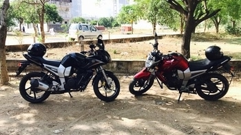 Red Black Tree, balanced? #yamaha #bikes #cricket #sundayscenes @kaushiks #brotherlove