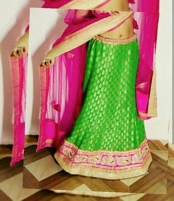 Good night, friends😘 #comingsoon #priyankatiwari  #thefragranceofartistry . . . . . . . . . . . . #picoftheday #lucknowblogger #lucknowfashionblogger #pose #bloggersworldwide  #lehanga #indianlehanga  #pinkandgreen  #fishcut