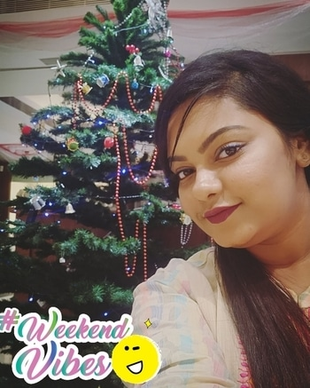 Christmas isn't a season. It's a feeling🎅🎄🎅🎄🎅♥️♥️♥️♥️  #roposochic #christmastree #winterfashion #winter #chennaiblogger #photooftheday #photography #selfshot #blacklove #cardigan #hnm #redlips #browgameonpoint #highlightonfleek #maybelline #makeup #youtuber #ootd #youtube #loveyourself #loveyourbody #bbloggers #fashion #instahub #instalook #instadaily #decemberphotochallenge #weekendvibes