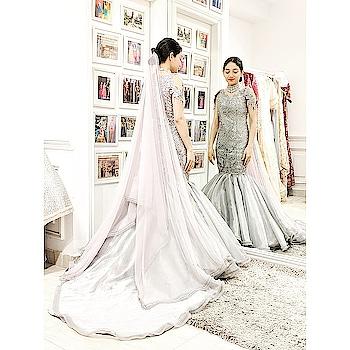 #happyfaces at #studionityabajaj as our brides selects #meshbynityabajaj for her cocktail ceremony Grab our current #autumnwinterfestive2018 collection names Mesh at #NityaBajaj  #cocktail #engagmentoutfit #labelnityabajaj #crystals #happyclients #bridetobe #bride #wedding #bridalideas #bridal