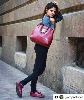 #Repost @glamprotocol with @repostapp ・・・ Let my 👜 do the talking 💁🏻 @e2ofashion . . PC @m.exposure  #glamprotocol #fashionblogger #indianblogger #mumbaiblogger #fashionista #instafashion #bags #totebags #instalike #likeit #igers #instashot #streetstyle #lookbook