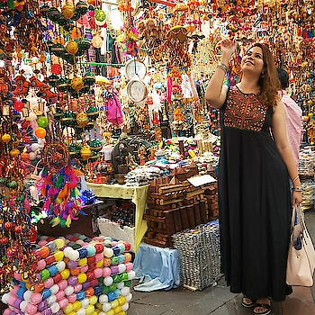 Campbell Lane is lit with festive Deepavali vibes!  The black maxi dress is from @lifestylestores from Express Mall, Chennai  #theleiavblog #youtuber #beautyblogger #indianyoutuber #beautyvlogger #singaporebeautyblog #singaporebeautyblogger #clozette #theleiav #indianbeautyblogger #indianblogger #fashionblogger #mummyblogger