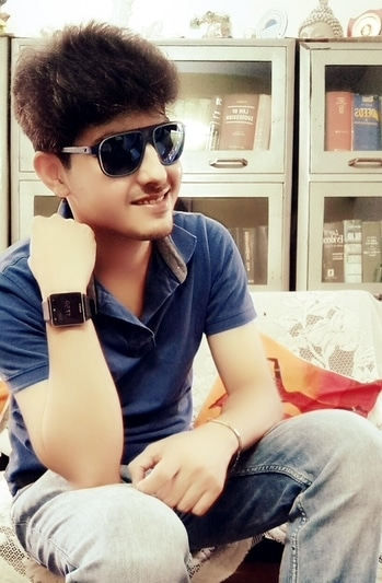 #indianfashionblogger  #adventure #rishabhdatta #followme #ropo-love #fashionblogger #mystyle #blue #jeans #tshirt #sunglasses #ropo-good #roposoblogger