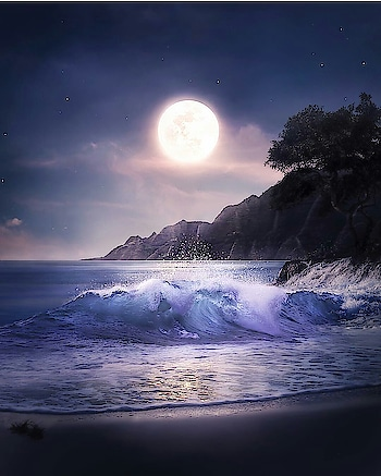 wow.. what a pic.. photography.. Great.. #photographylovers #photography #photo-shoto #nice #moonwalking #moon #moonlight #water #hightides #lowtimes #ocean #osm #trailer #bestever #best-friends #onheight #height #roposo-pic #perfect #unique #unbreakable #beatiful #ropo-beauty