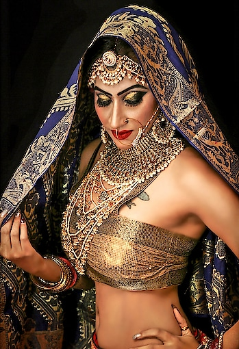 Bridal PhotoshOot 🎥📸 MUA💄: @krishnamakeover • #BridalShOot #bridalwear #Bridallook #BridalMakeover #Bridalmakeup #bridalmakeupartist #modelmakeup #Shootmode #Makeupshoot #bridaljwellery #Bridalpose #bridalportrait #Roshnikapoor #Diamondgirl #Queenism #Pune #HauteManmzel #Fashionblogger #Beautyblogger • 📸: @mangeshbadames_photography
