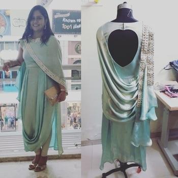 #clientsdiary #happycustomer #mywork #fashiondesigner #fashiondiaries #designer #priyankasharma  follow me in Instagram @sutastafashionvilla