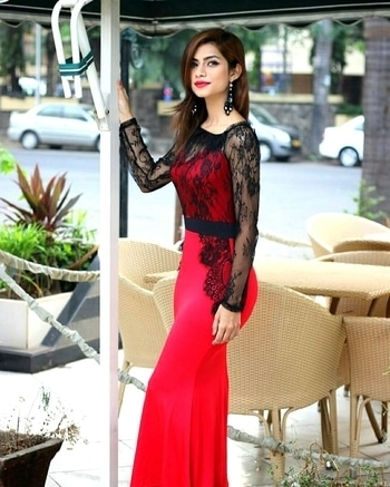When in doubt.. Wear Red! #redobsession #ootd #liberent #rentfashion #rentnow #red #fashion #rentdresses #mumbai #delhi #bangalore #chennai #pune #kolkata #kochi #rentdress