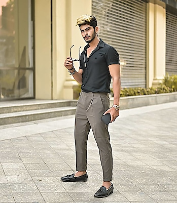 Golden Hours ! . . Hair by @hairfactorysurat . .  Outfit from - @kollars.2018 . Styled by - @thestyledweller . . Shot by @thedaydreamstudio . . #tsdfam #thestyledweller #black #grey #streetstyleformals #streetwear #menwithclass #menswear #mensfashion  #trouser #loafers #mensfashioninfluencer  #maleinfluencer #styleinfluencer #style #trend #shirt #blackshirt #summerformals #summerstyle #indianfashioninfluencer  #indianblogger  #surat  #suratinfluencer  #suratblogger  #india