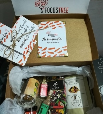 Thank you @foodstree for sending blogger box with full of lovely goodies. It's a kolkata based online shop for food and beverage.  #kolkata #calcutta #india #indiaclicks #indiapictures #incredibleindia #sokolkata #kolkatadiaries #calcuttacacophony #ig_Calcutta #storiesofkolkata #storiesofindia #cityofjoy #wanderer #wanderlust #streetphotography #travelphotography #travelblogger #travel #blogger #indianblogger #instalike #instadaily #beautiful #love #food #foodie #foodporn