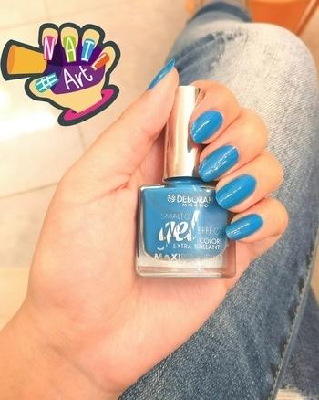 Get the latest trending colour in nails... BLUE 💙😍 #deborah #geleffect #invogue #nailart #nailcolour
