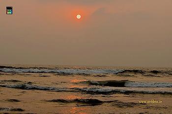 #Sunrise in beautiful #Goa #Calangute #beach Click: Sanjib Nath Courtesy: #Canon https://www.snfilms.in #camera #dslrphotography #dslrcamera #naturephotography #scenery