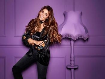 Hande Erçel in #DeFacto  #HandeErcel #Hande #handemiyy #defactojeans  #fashion  #jeans #jeanslove #denim #denimlove #beauty #stylish #stylishlook #turkishactress #turkeyfashion #fashiondiaries  #beautiful #hayat #roposopost  #roposofashion #celebfashion #fashionmoments #celebstyle #celebrityfashion #roposolove #vintage  #roposopost #roposolove #roposotimes   #roposoblogger