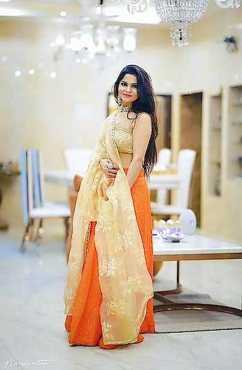 #diwalioutfit #ethnic-wear #women-style #stylingtips #bold-is-beautiful #beauty #instapic #instafamous #ropo-style #roposo #soroposo follow me on instagram anikamkhara