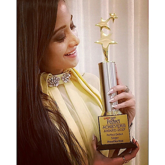 Yippee!! Feels Great :) My first Award as a Singer❤🎤  Thank u #PerfectWomanMagazine for honouring my talent & the hard work behind my musical journey  #PerfectAchieversAward #PerfectMissIndia